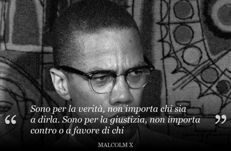 Malcolm X (1925-1965) attivista statunitense a favore dei diritti degli afroamericani e dei diritti umani in genere. Assassinato il 21 febbraio 1965.