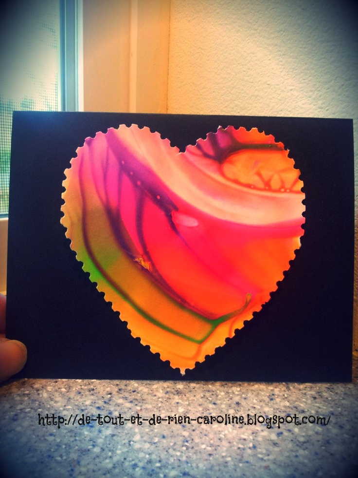 Spin art with a lid to create Valentine's Day card. Fun for toddlers and preschoolers!