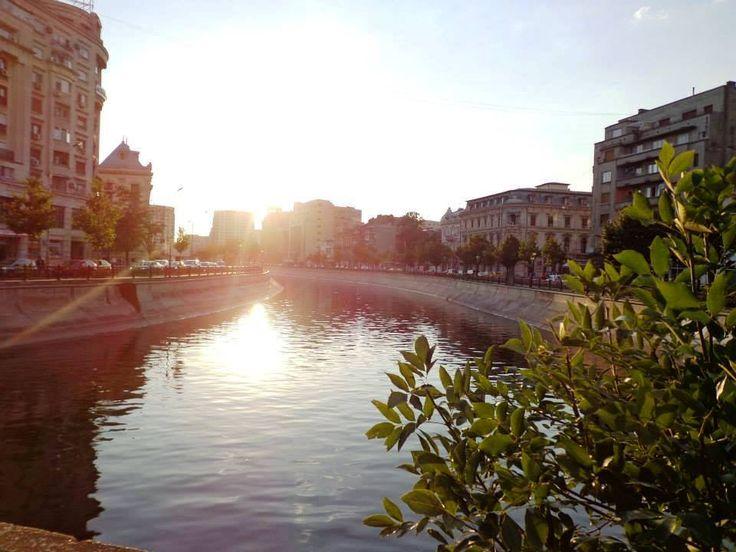 Bucharest, Dambovita River