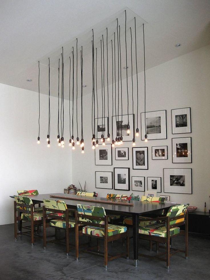 Amazing rechteckiger Esstisch St hle mit buntem Polster und h ngende Industrielampen Gl hbirnen