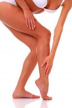 10 minutes pour transformer ses gambettes pâlichonnes en jambes bronzées et glamour