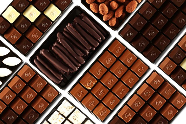 International chocolate gift delivery of Luxury French chocolates. Order online and send a fine chocolate gift worldwide.