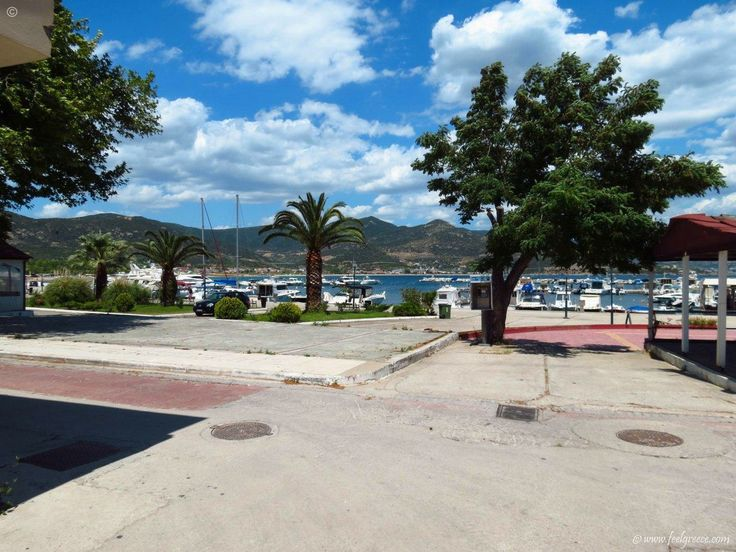 the streets near the port in Nea Iraklitsa - holiday and resort with family hotels with wide beach - Kavala Region