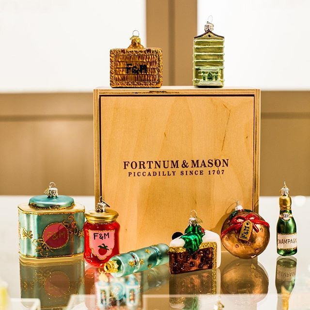 Our Fortnum & Mason exclusives are available to buy online http://bit.ly/2gFyrdf with the full collection available (3rd floor) in Fortnum's Piccadilly!  Who will be paying us a visit before Christmas?  by @fortnums  #bombki #festive #iconic #teacaddy #jam #champagne #christmascake #christmaspudding #baubles #decor #london #decorations #ornaments