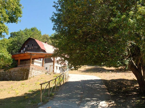 Rifugio Crispi. The charm of a mountain refuge 25km from the sea! Madonie, Sicily