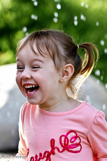 she is what she wears…. one big laugh      Photo by: Teresa Atkinson