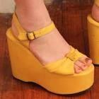 Platform shoes - 1970s