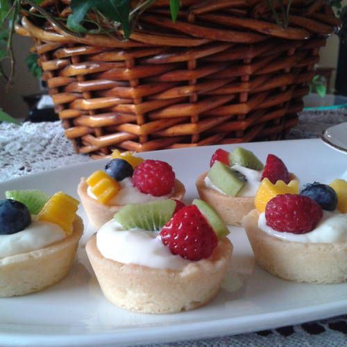 CREAM CHEESE AND FRUIT SHORTBREAD TARTS