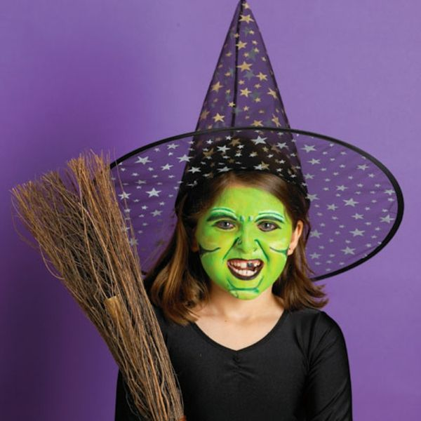 halloween make up ideen hexe m dhen mit gr nem gesicht kost me schminken pinterest deko. Black Bedroom Furniture Sets. Home Design Ideas