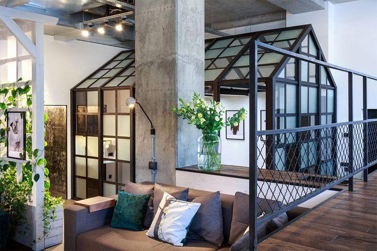 Стильный офис компании Circle Line Interiors