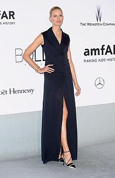 FashionTV Romania | VIDEO! Gala amfAR 2014 de la Cannes - descopera cele mai spectaculoase ținute | Fashiontv Cannes 2014
