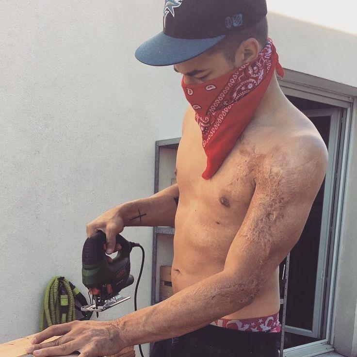 COW BOY 💪🏽 // Zon'z Boy 🖤 // #boy #monboy #love #amour #cowboy #bandana #bricolage #dimanche #tattoo #snapback #été #homedecor #home