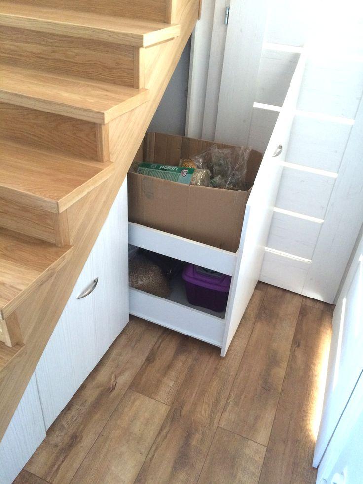 Zabudowa pod schodami, schowek pod schodami, wysuwane szuflady