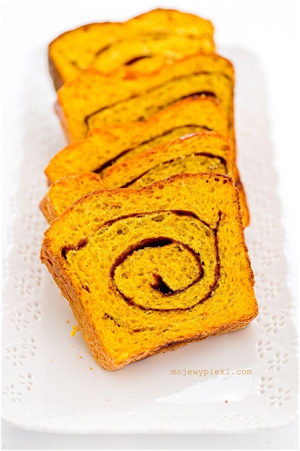 Słodki chlebek dyniowy z cynamonem