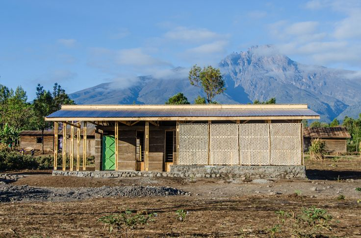 Completed in 2016 in Tanzania. Images by Lara Briz, Patricia Báscones. In Tanzania, building with earth represents the past and is associated with poor living conditions. Traditional materials and techniques adapted to...