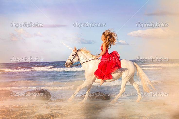 Картинки по запросу лошадь пасется