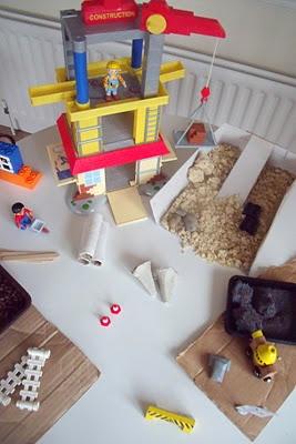 Construction Small World set-up