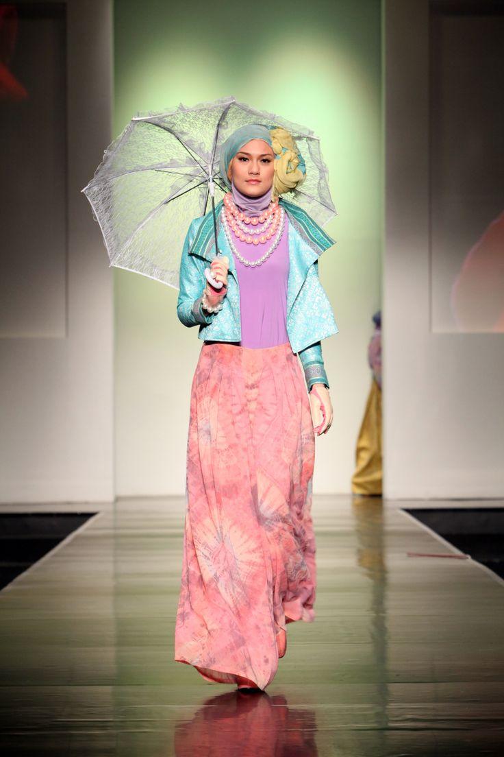 Dian Pelangi 'Ramadhan Rose', Jakarta Islamic Fashion Week 2013