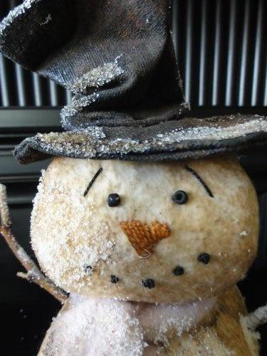 Grungy Prim Snowman...he will melt your heart.