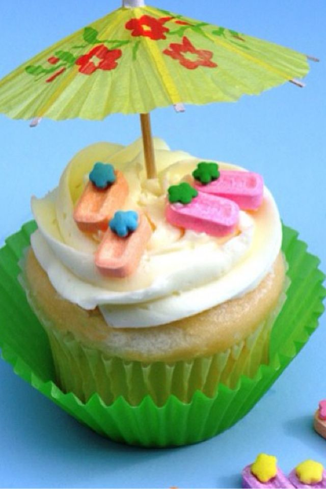 One tropical cupcake