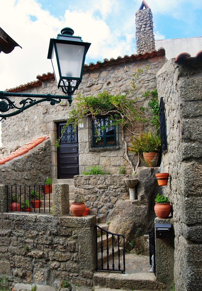 Monsanto the more typical village in Portugal. Enjoy Portugal Holidays-Travelling to Portugal www.enjoyportugal.eu