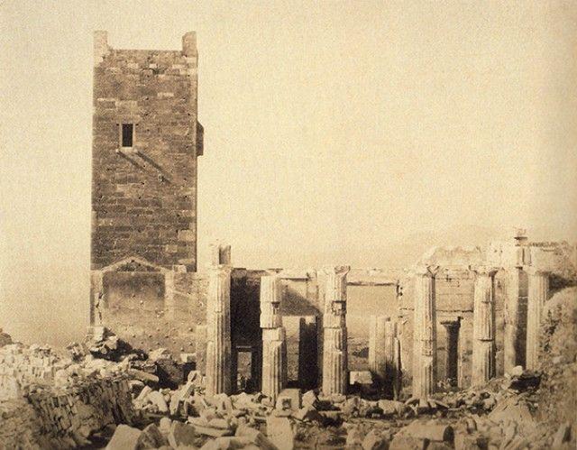 Magnify Image Προπύλαια και Φράγκικος πύργος 1855