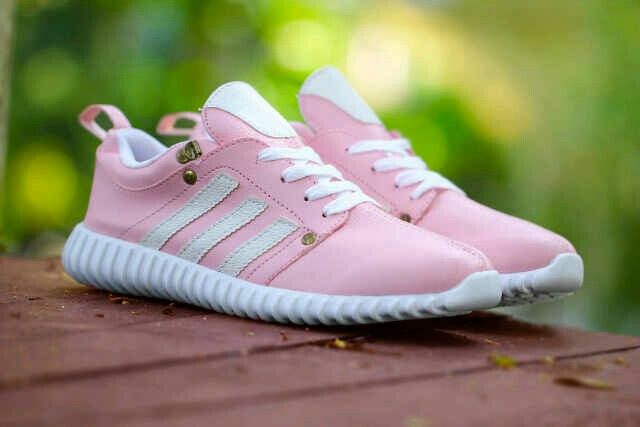 Adidas Yezzy Boost Run Wanita size 36 sd 40 Rp.240.000