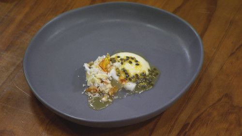 White Chocolate Pannacotta with Coconut http://masterchefrecipe.net/white-chocolate-pannacotta-with-coconut/