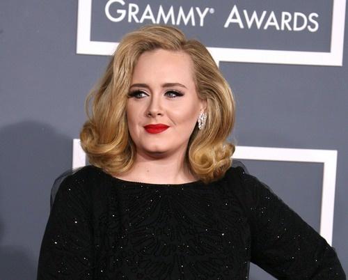 Adele lança música nova no final do ano