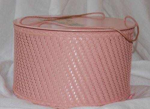 Vintage Pink Wicker and Wood Sewing Basket | @waitwaitMrPostman | Wicker Paradise Blog.