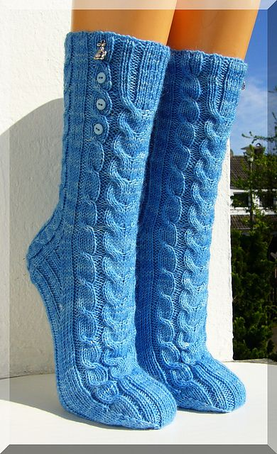 """Easter Moon"" (socks) - wanted, dream website!"