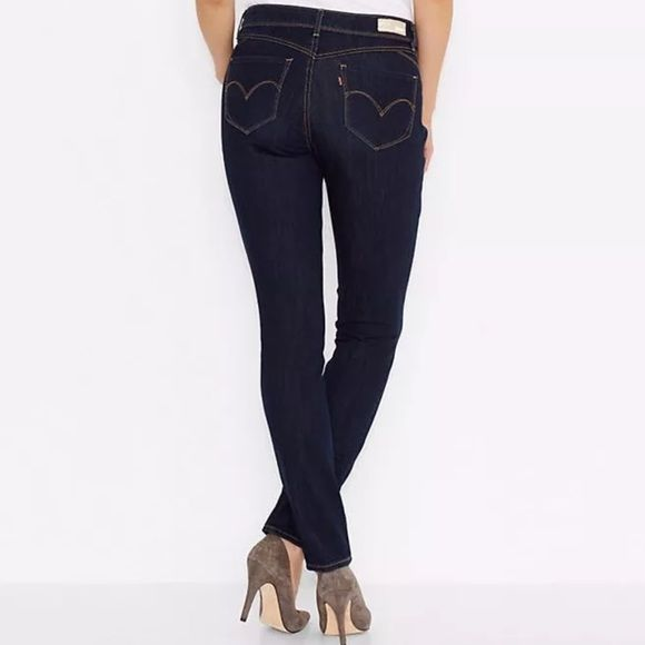 Levi's Revel Bold Curve Skinny Jeans 26 New Without Tags Levi's Revel Bold Curve Skinny Jeans in Size 26  This size is *sold out*, regular price $98.99 A revolution in shaping jeans, Levi's® REVEL™ features Liquid Shaping Technology fused into the denim to provide hold and comfort, that lifts, shapes and defines a woman's body. Super–soft four–way stretch fabric allows the jeans to keep its shape while showing off yours.   74% Cotton, 15% Polyester, 11% elastane. Mid rise Slim through hip…