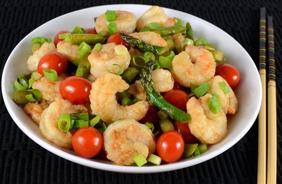 Shrimp Stir Fry with Asparagus and Grape Tomatoes
