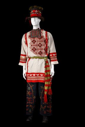 Groom's traditional costume from Semipalatinsk Province, Russia. Middle 19-th century. This authentic specimen from the Russian Museum of Ethnography was photographed in 2009. #Russian #folk #national #costume