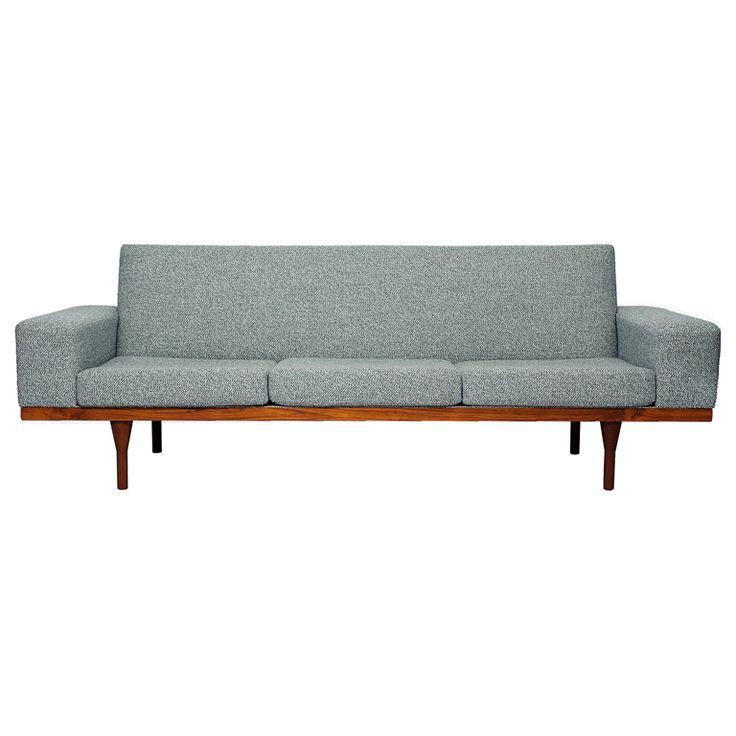 Lovely Illum Wikkelso Sofa