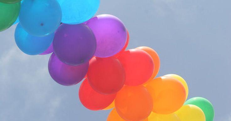 ¿Cuánto tiempo permanecen inflados los globos?. Los globos son una opción clásica para decorar una fiesta. Pero ver un ramo de globos desinflados puede ser una desilusión. Con un poco de planeación y algo de precisión con el tiempo tus globos pueden lucir frescos el tiempo que los necesites así.
