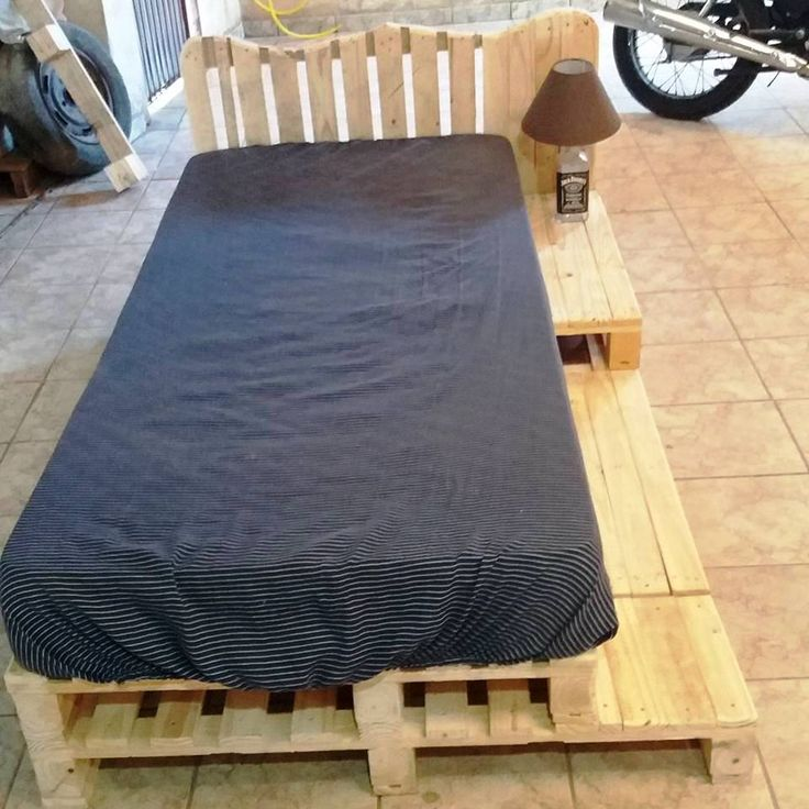 Pallet Bed - Beautiful Pallet Creations for Your Home - 101 Pallet Ideas