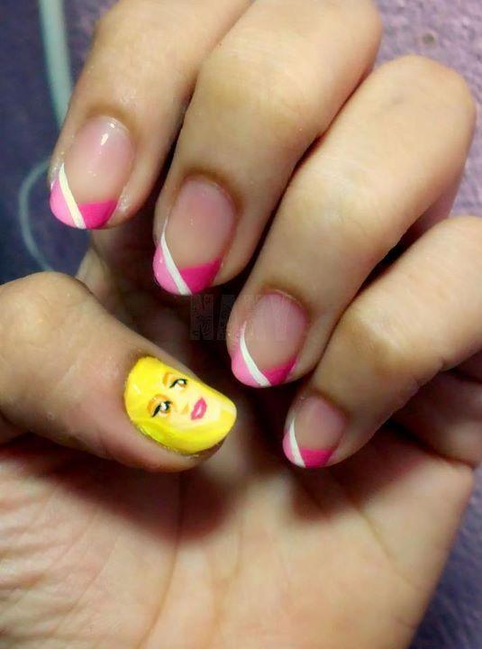 Princess Aurora nailsBeautiful Bit, Sleeping Beauty, Sleep Beautiful, Flower Nails, Glitter Nails, Disney Nails, Princesses Aurora, Aurora Nails, Halloween Nails