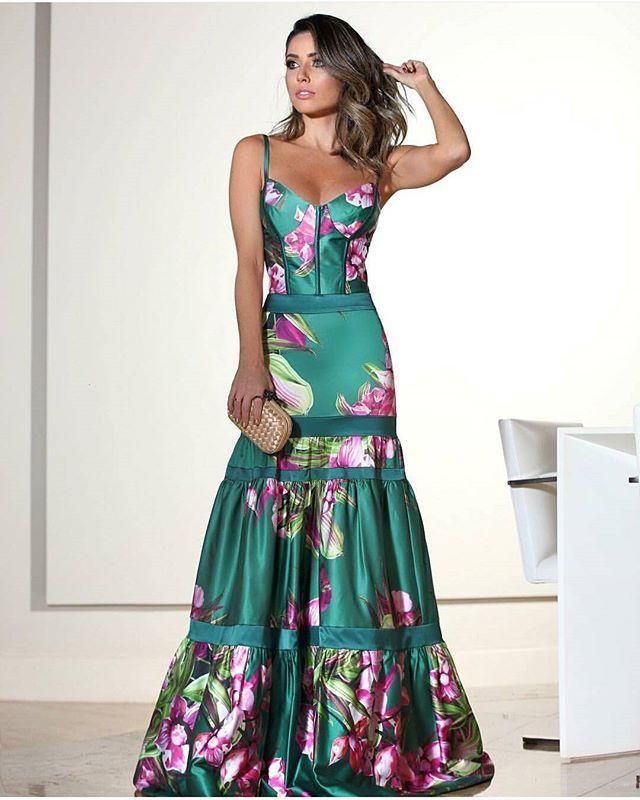 Segunda vez que posto este vestido, mas acho que vale o repost  Da outra vez era outra pessoa usando ( se não me engano num casamento na praia )