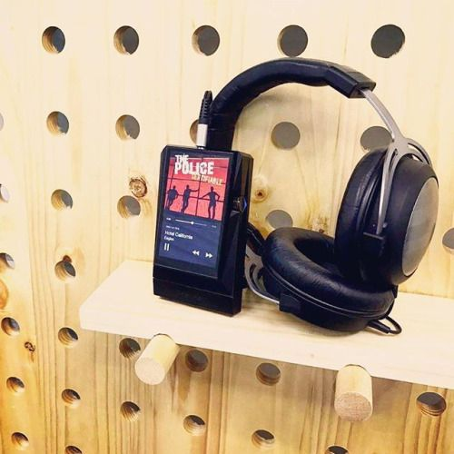This could be Heaven or this could be Hell. - Hotel California Eagles. DAP. Astell&Kern AK380 Black AMP. Astell&Kern AK380 Black Amp Headphone. AK x Beyerdynamic AKT1p #ecthk #astellandkern #astellnkern #ak380 #black #amp #akt1p #beyerdynamic #crossover #ak320 #ak300 #ak70 #akjr #dap #audio #audiophile #portableplayer #hotelcalifornia #eagles #classic #music #enjoy #wood #art #design #picoftheday #follow4follow via Audiophiles on Instagram - Best Sound Quality Audiophile Headphones and…