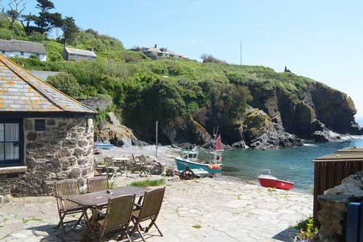 The cosy Beach Cottage in Cadgwith