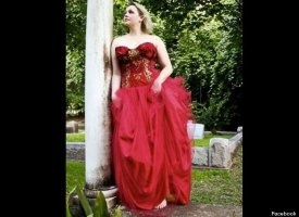 Style red dress qoute
