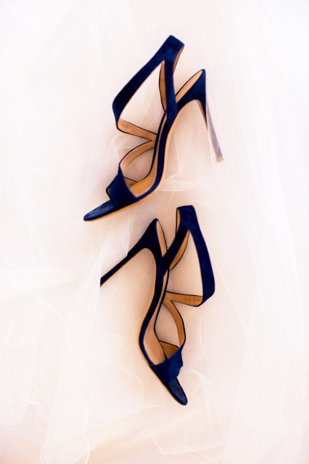 Navy GIANVITTO ROSSI wedding shoes  | photography by Reverie Supply
