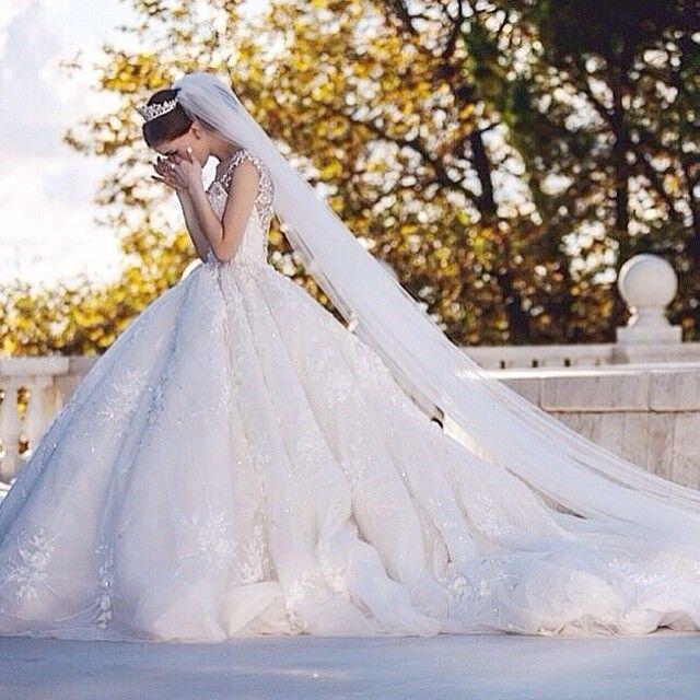 Wedding Dresses, wedding ideas, bridesmaid dresses, bride, modern wedding, boho wedding, contemporary wedding ideas