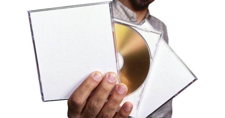 Cómo crear y producir tu propia música. Muchas personas sueñan con tener un CD de su propia música. Con el auge tecnológico de los últimos años, es posible que la gente lleve a su banda de garaje o cuarteto de barbería al ámbito discográfico por medio de la grabación casera.