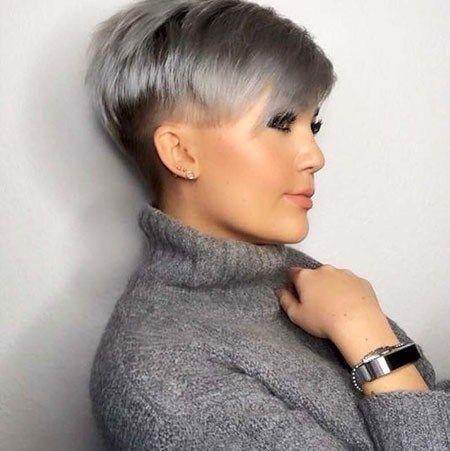 Kurze Frisuren Graue Haare Mit Kurzen Seiten Grau Kurze Frisuren