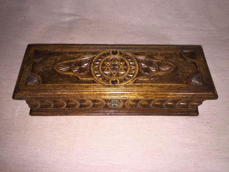 Antike handgeschnitzte  Holzschatulle Judaica