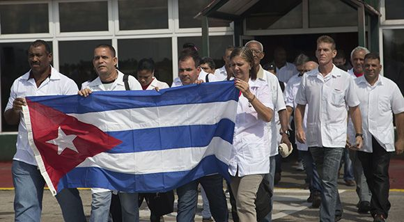 """The Cuban government announced today it is sending a medical team to Haiti for the relief of the victims after the devastating hurricane """"Matthew""""."""
