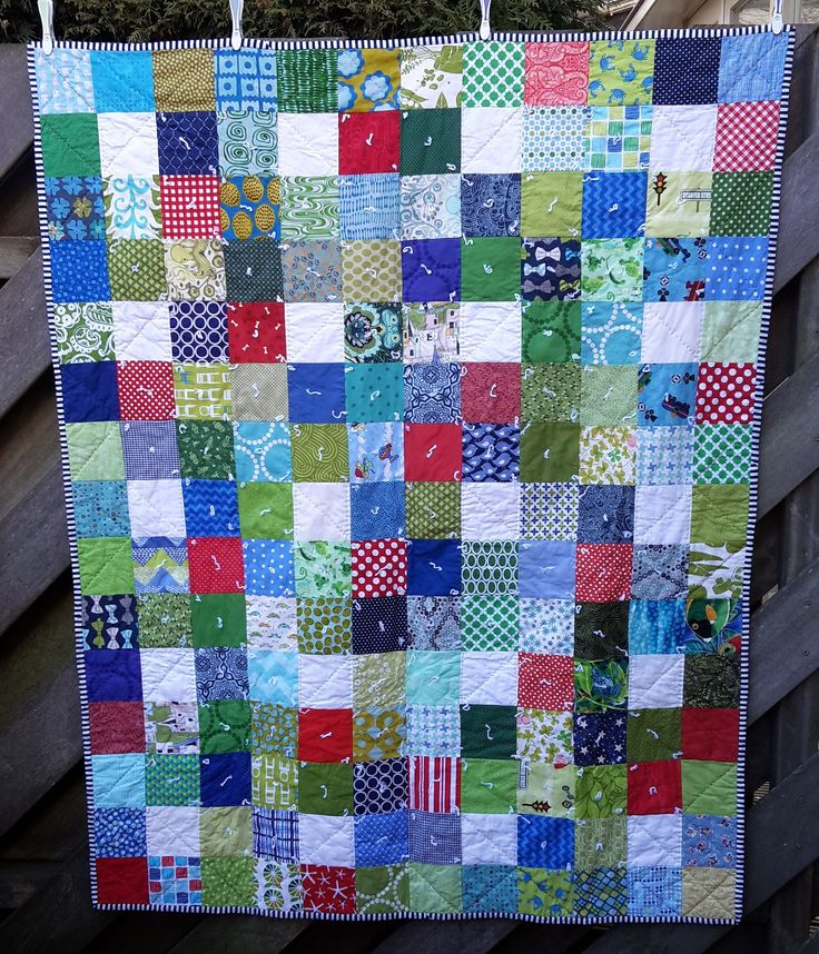 https://flic.kr/p/DZAvYb   16 Top 2014   A finishe dquilt with blocks I received in 2014 from hive 12 of Stash Bee