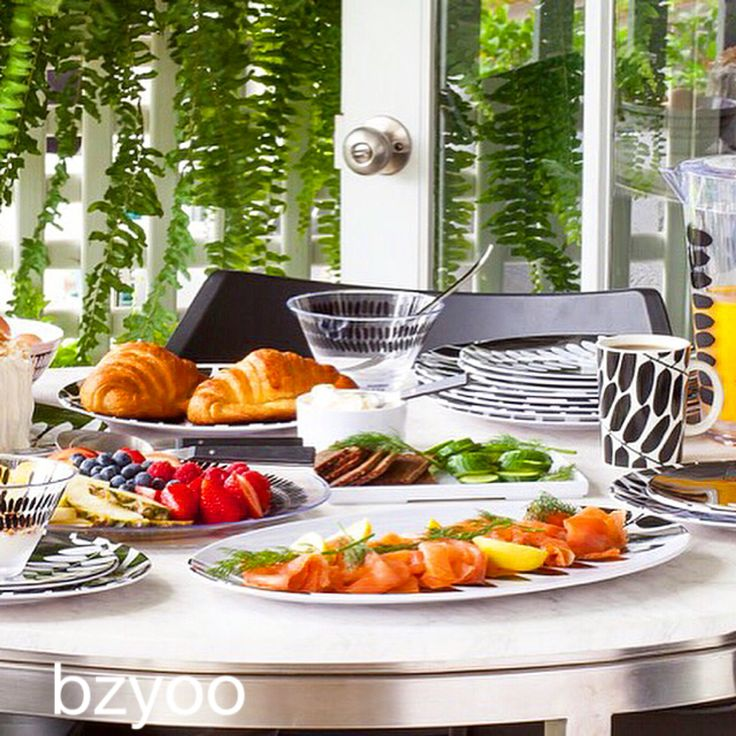 Buffet on black and white #bzyoo #black #white #food #style #design